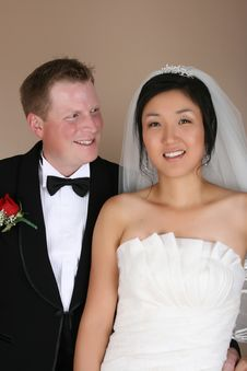 Free Bridal Couple Royalty Free Stock Photo - 17717975