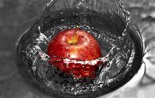 Free Apple Splash Royalty Free Stock Photos - 17719818