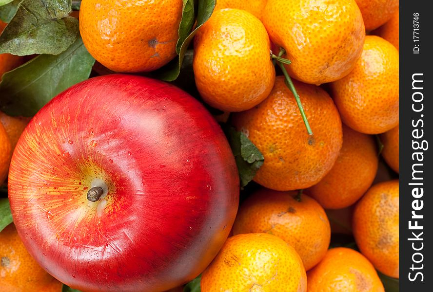 Apple and tangerine