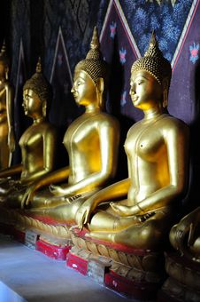 Free Golden Buddha Image Royalty Free Stock Photos - 17721228