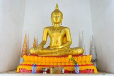 Free Golden Buddha Image Royalty Free Stock Photo - 17721235