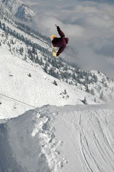 Free Jumping Freestyle Snowboarder Royalty Free Stock Photography - 17734577