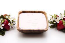 Free Strawberry Yogurt Stock Images - 17737544