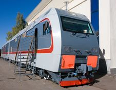 Free Grey Passenger Locomotive Royalty Free Stock Image - 17739446
