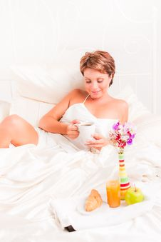 Free Breakfast In Bed Stock Photos - 17739573