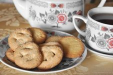 Free Cup Of Tea With Cookies Stock Images - 17740014