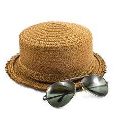 Free Straw Hat And Sunglasses Stock Image - 17741301
