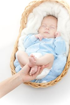 Free Baby Feet In Mother Hand Stock Photography - 17742122