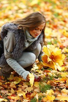 Free Autumn Woman Stock Photos - 17743273