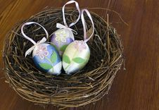 Free Decorated Easter Eggs In A Nest Royalty Free Stock Photography - 17743357