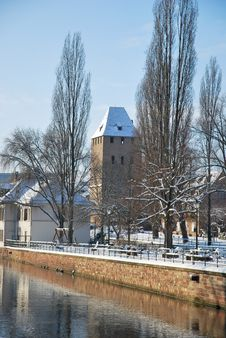 Free The Quay Of Strasbourg During Winter Royalty Free Stock Photos - 17746908