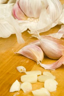 Free Fresh Garlic Cloves Royalty Free Stock Photography - 17749707