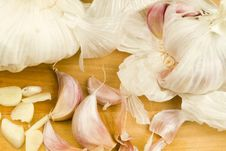 Free Organic Garlic Cloves Stock Photos - 17749723