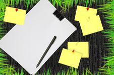 White Blank Note Paper Royalty Free Stock Images