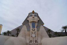 Free Pyramid Royalty Free Stock Photo - 17751845