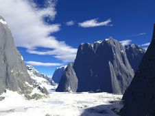 Free Winter Mountains Royalty Free Stock Photography - 17752997