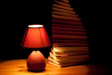 Free Lamp Illuminating Books Royalty Free Stock Image - 17753606