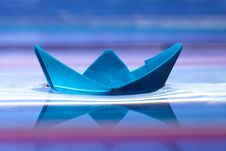 Free Blue Paper Boat Royalty Free Stock Image - 17753786