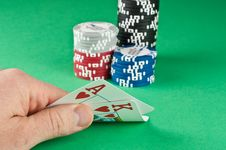 Free Ace King With Poker Chips Royalty Free Stock Photo - 17760555