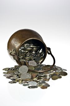 Free Old Pot With Coins Stock Photo - 17763140
