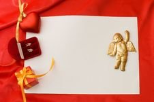 Free Box With A Gift On A Red Fabric Royalty Free Stock Photos - 17769948