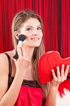 Free Young Woman Holding A Red Heart Mirror Royalty Free Stock Photography - 17770767
