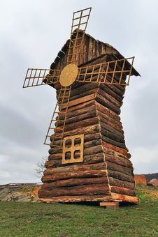 Free Model Wooden Windmill Stock Photography - 17773912