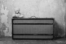 Old Suitcase With Teddy Royalty Free Stock Images