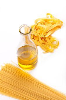 Free Spaghetti And Olive Oil Stock Photo - 17775000