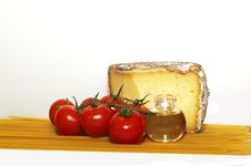 Free Cheese, Tomato And Spaghetti Royalty Free Stock Photography - 17775057