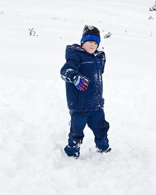 Free Boy Throwing Snowball Royalty Free Stock Photo - 17777175