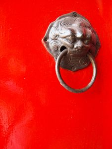 Free Red Chinese Door Royalty Free Stock Photography - 17785607