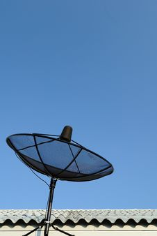Free Satellite Dish Stock Image - 17786041