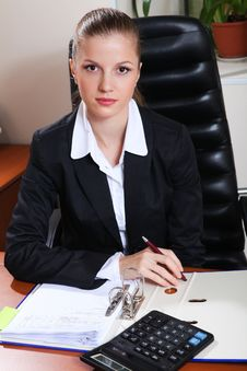 Free Businesswoman In Office Stock Images - 17788654