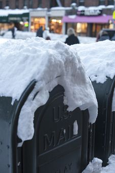 Free Mail Box In Snow Stock Photo - 17790040