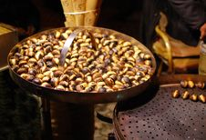 Free Roasted Chestnuts Royalty Free Stock Photos - 17791198