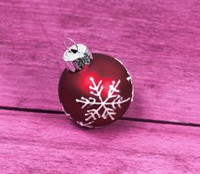 Free Christmas Bauble Royalty Free Stock Image - 17795446