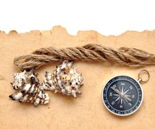 Free Seashell, Compass And Rope Royalty Free Stock Photo - 17795615