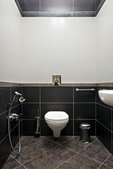 Free Restroom Interior Royalty Free Stock Image - 17798166