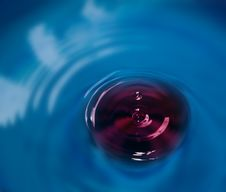 Poison Water Drop Wth Blur Royalty Free Stock Images