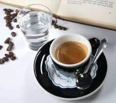 Free Cup Of Coffee From The Express Royalty Free Stock Photography - 1784317