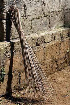 Free Broom Royalty Free Stock Photos - 1786188