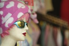 Free Worn Mannequin With Pink Cap Royalty Free Stock Images - 1788489