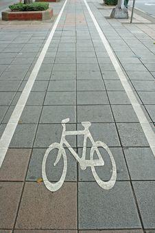 Free Bicycle Lane Symbol Royalty Free Stock Photo - 17802635