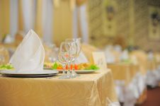 Free Decorated Wedding Dinner Table Stock Photography - 17804832