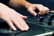 Free Hip-hop DJ Scratching The Vinyl Royalty Free Stock Image - 17805196