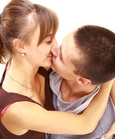 Free Young Beautiful Pair Kisses Royalty Free Stock Images - 17805409