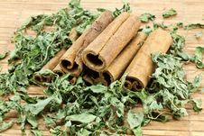 Free Cinnamon Sticks Stock Images - 17807064