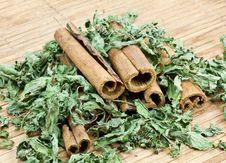 Free Cinnamon Sticks Royalty Free Stock Photos - 17807158