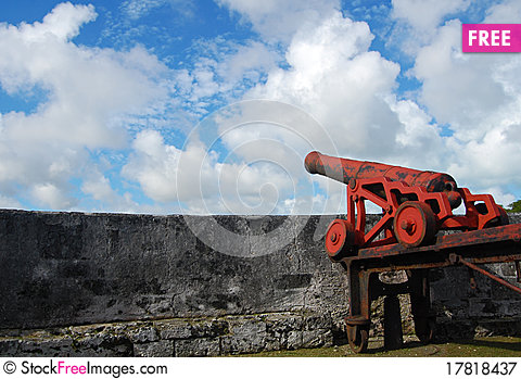 Free Red Cannon Royalty Free Stock Photography - 17818437